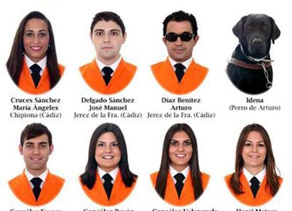universidad-de-cadiz-graduo-un-perro-en-trabajo-social