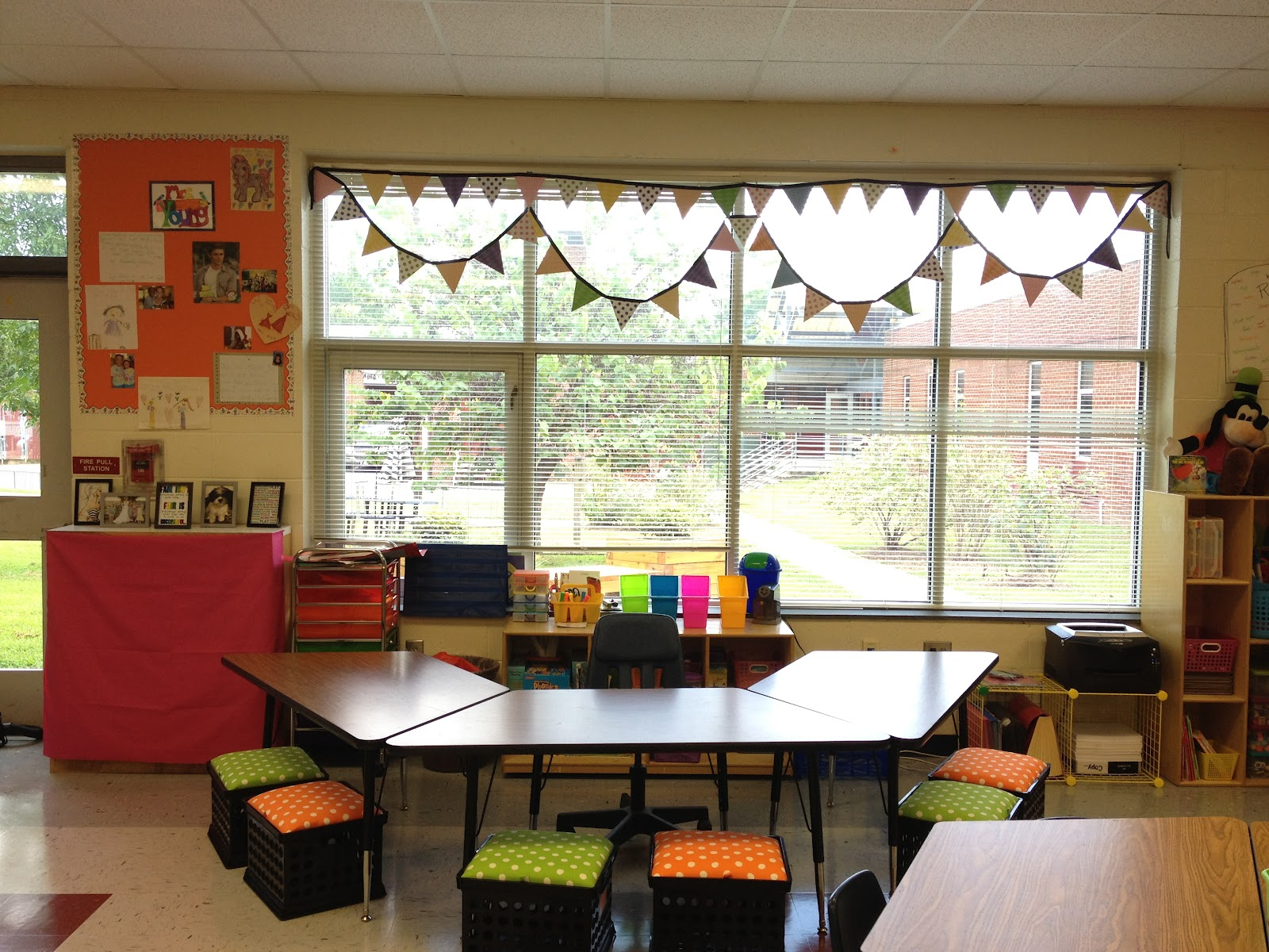 Classroom Windows Decoration Ideas : Little miss glamour goes to kindergarten my classroom