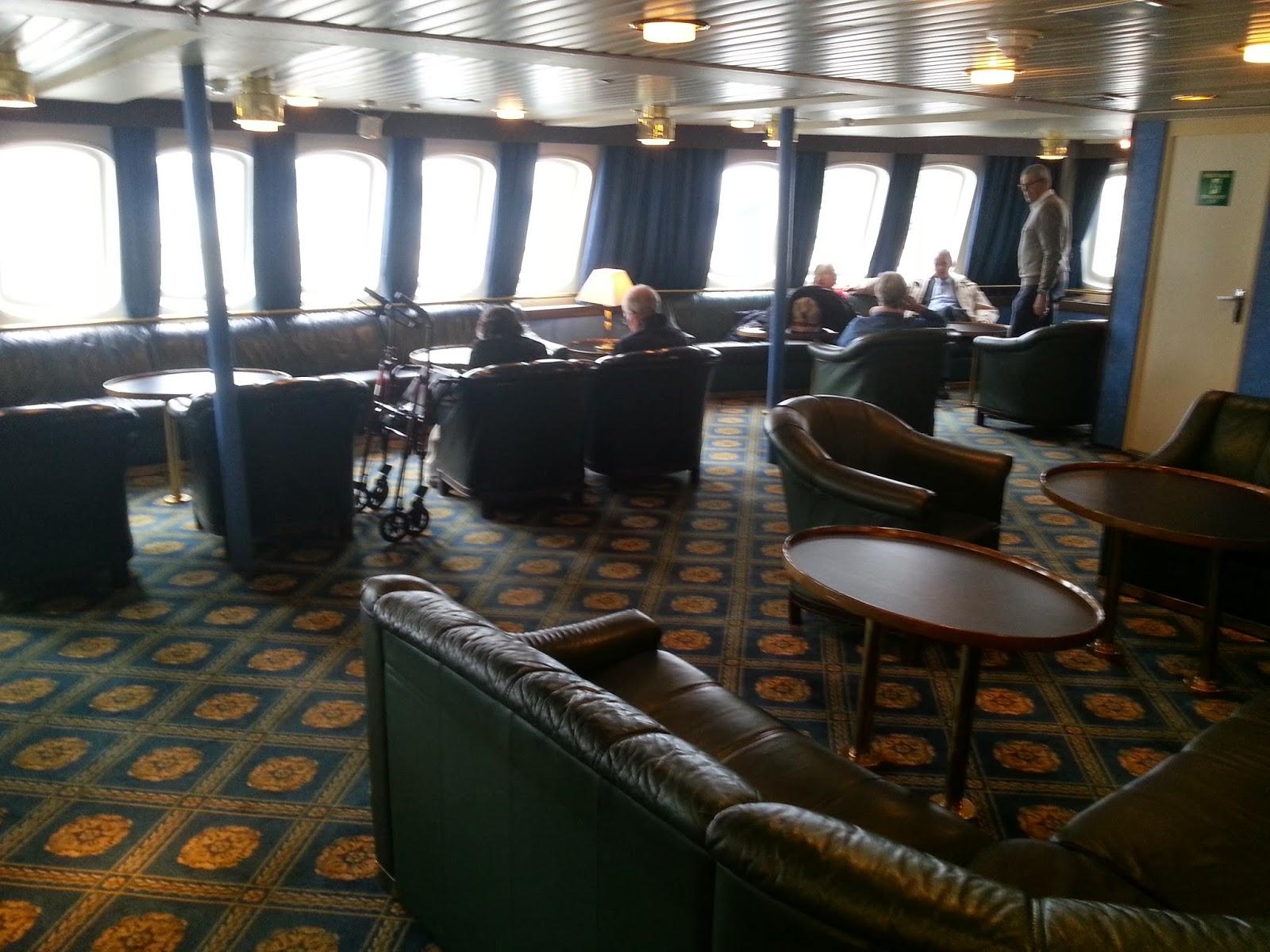 Hurtigruten MS Vesterålen - Trollfjorden Lounge