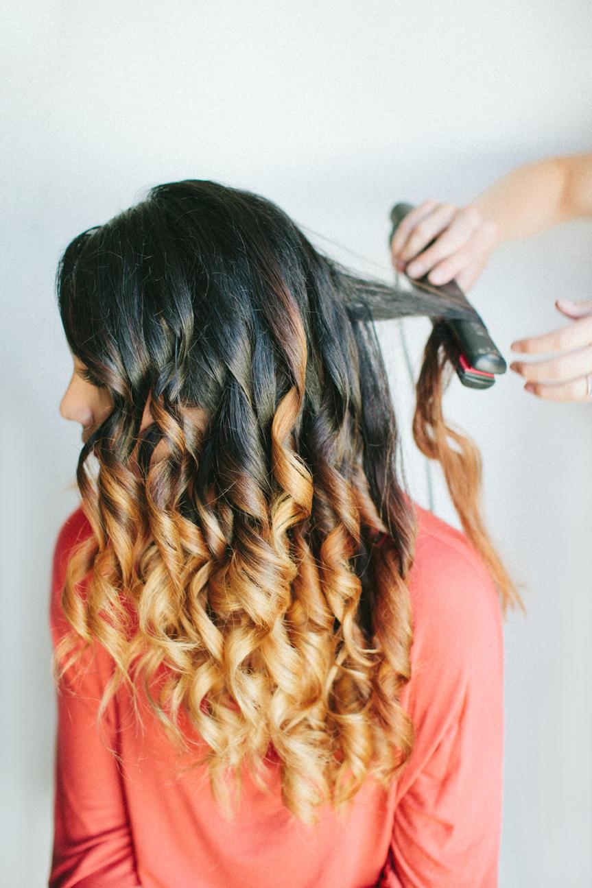 Завить волосы красиво плойкой