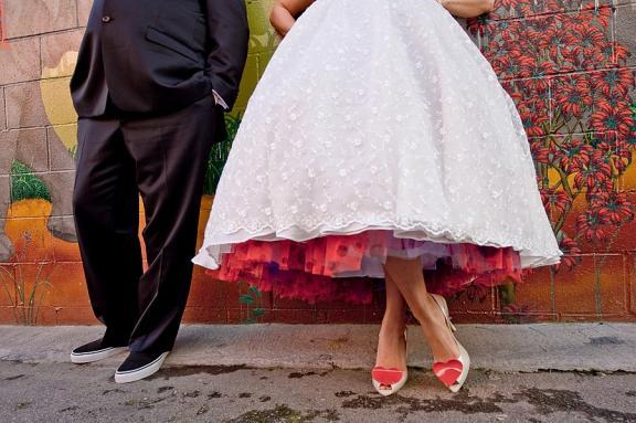 valentines-themed-vintage-wedding-red-pu