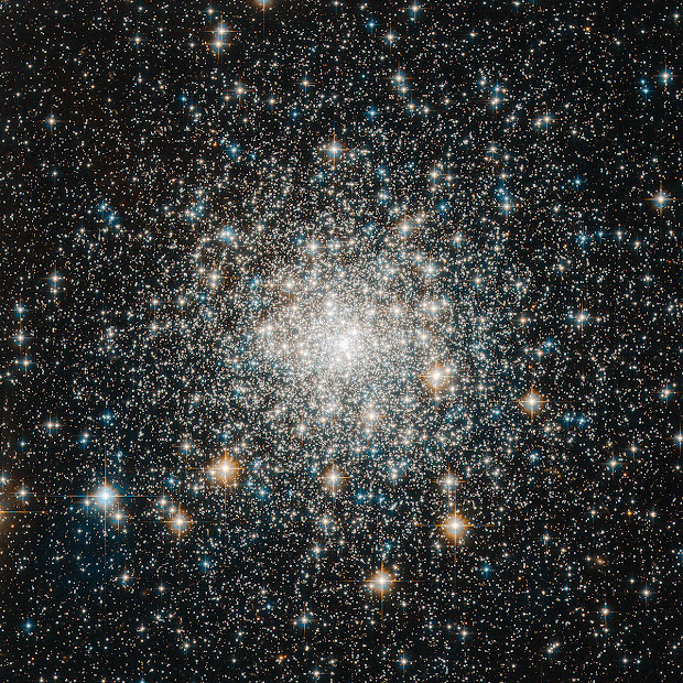Tight and bright Globular Cluster M70 as seen by Hubble