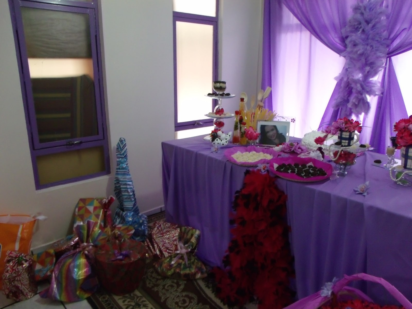 decoracao de cozinha na cor lilas: sobre o meu chá de cozinha  #663A91 1600x1200 Banheiro Azul Banda
