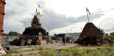 Monarch Street/Donegall Road replacement bonfires