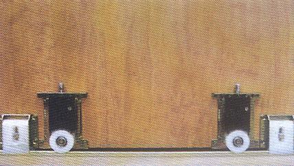 Made of wood frentes de armarios correderos o practicables for Ruedas armarios empotrados puertas correderas