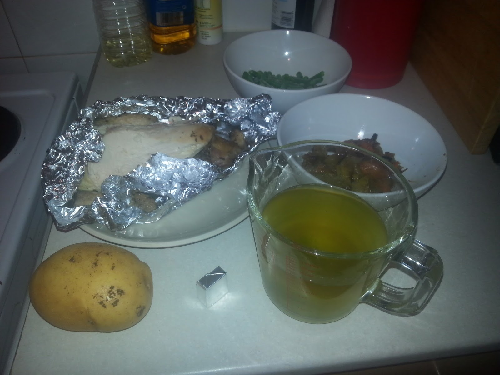 Picture showing chicken, vegetables and 1 pint of stock