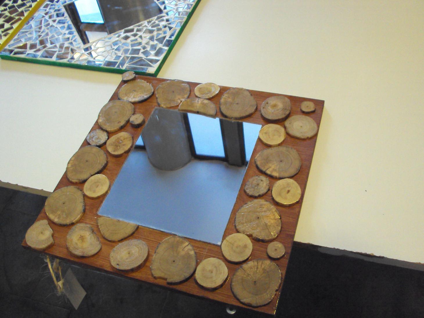 Laborales arcoiris espejos r sticos con madera for Espejos de madera grandes
