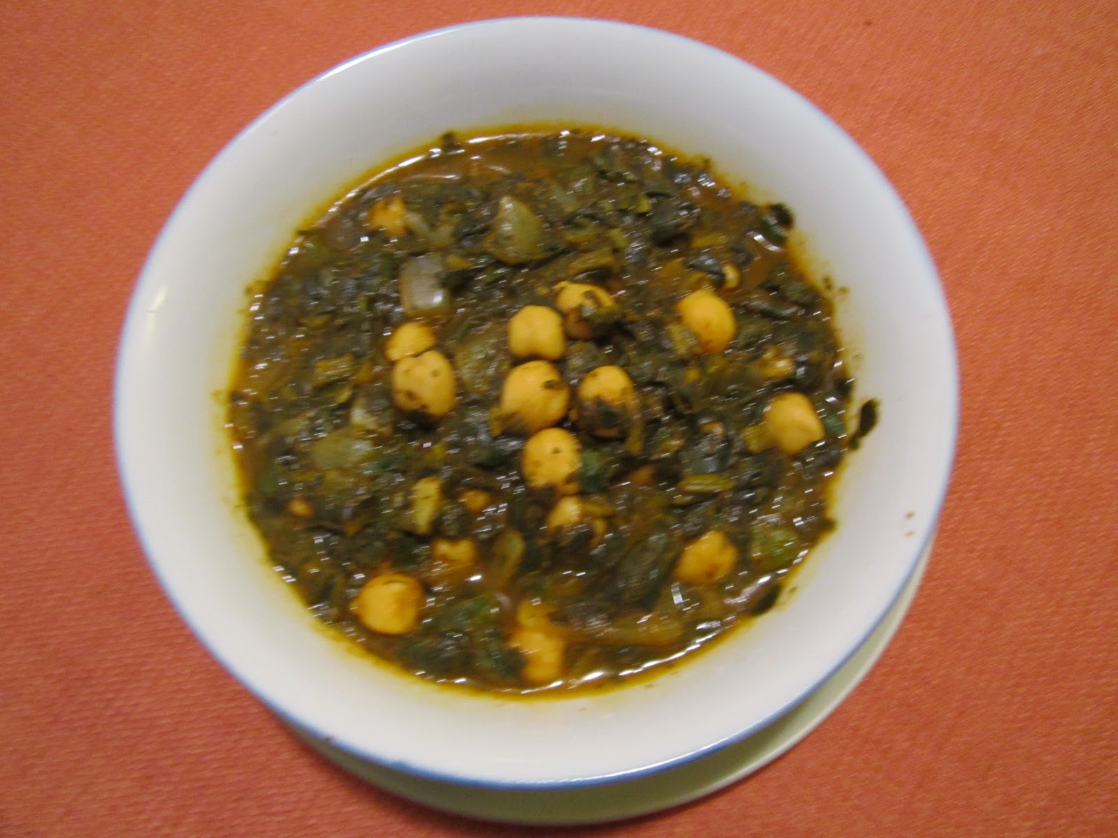 The iraqi family cookbook spinach with chickpeas stew spinach with chickpeas stew forumfinder Images