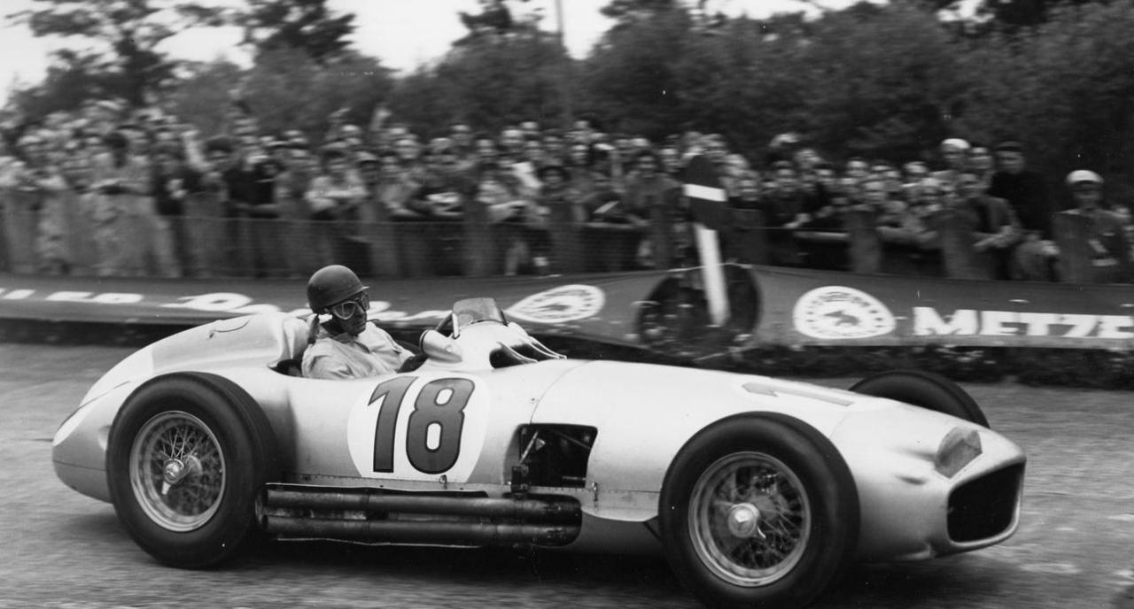 All motorsport nz 1954 mercedes benz w196r formula 1 car for Mercedes benz f1 car
