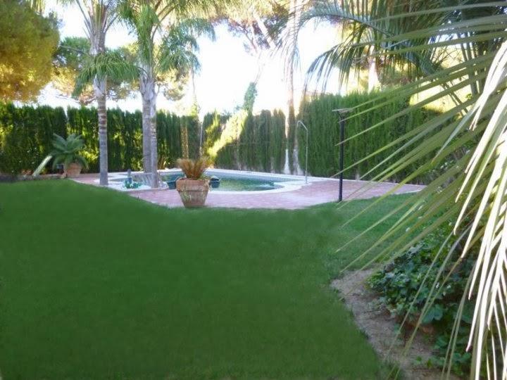 Grandes chalets en sevilla chalet de lujo en la juliana for Piscina ciudad jardin sevilla