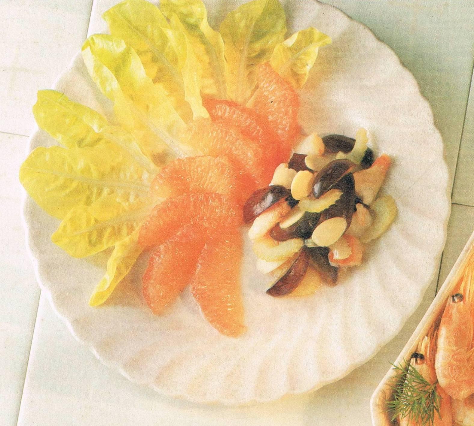 CRAB AND PINK GRAPEFRUIT SALAD