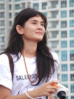Kulit putih dari MEdina Kamil Para Cewek Pendaki Gunung Cantik di Indonesia