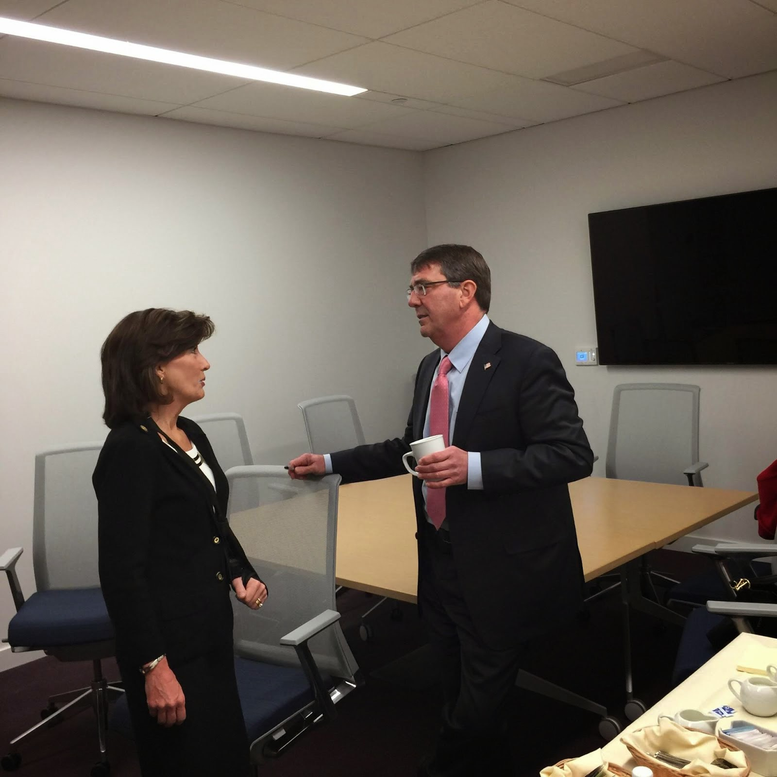 LG Hochul Chats Up SecDef Carter on Fort Drum