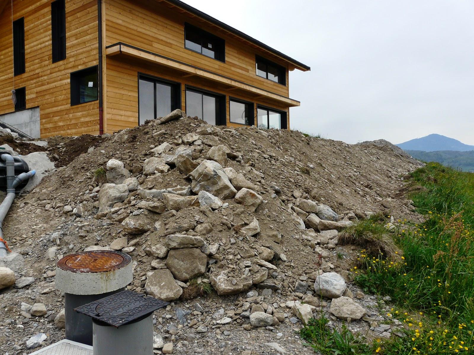 la nouvelle aventure la construction cuve eau de pluie terrain ext rieur. Black Bedroom Furniture Sets. Home Design Ideas