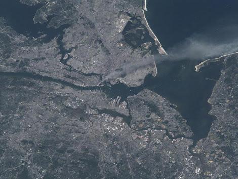 Nueva York desde el Espacio el 11 de Septiembre 2001