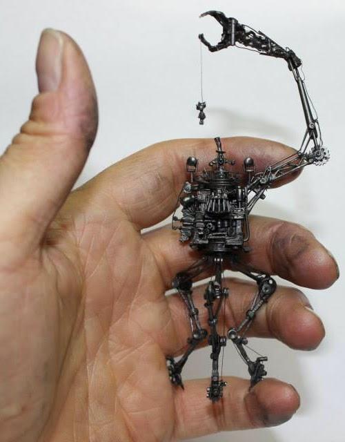 02-Jarek-Lenski-Graphite-Lead-Pencils-made-into-Complex-Sculptures-www-designstack-co