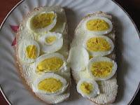 Sandwich cu ou fiert