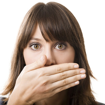 How to Stop Bad Breath Naturally