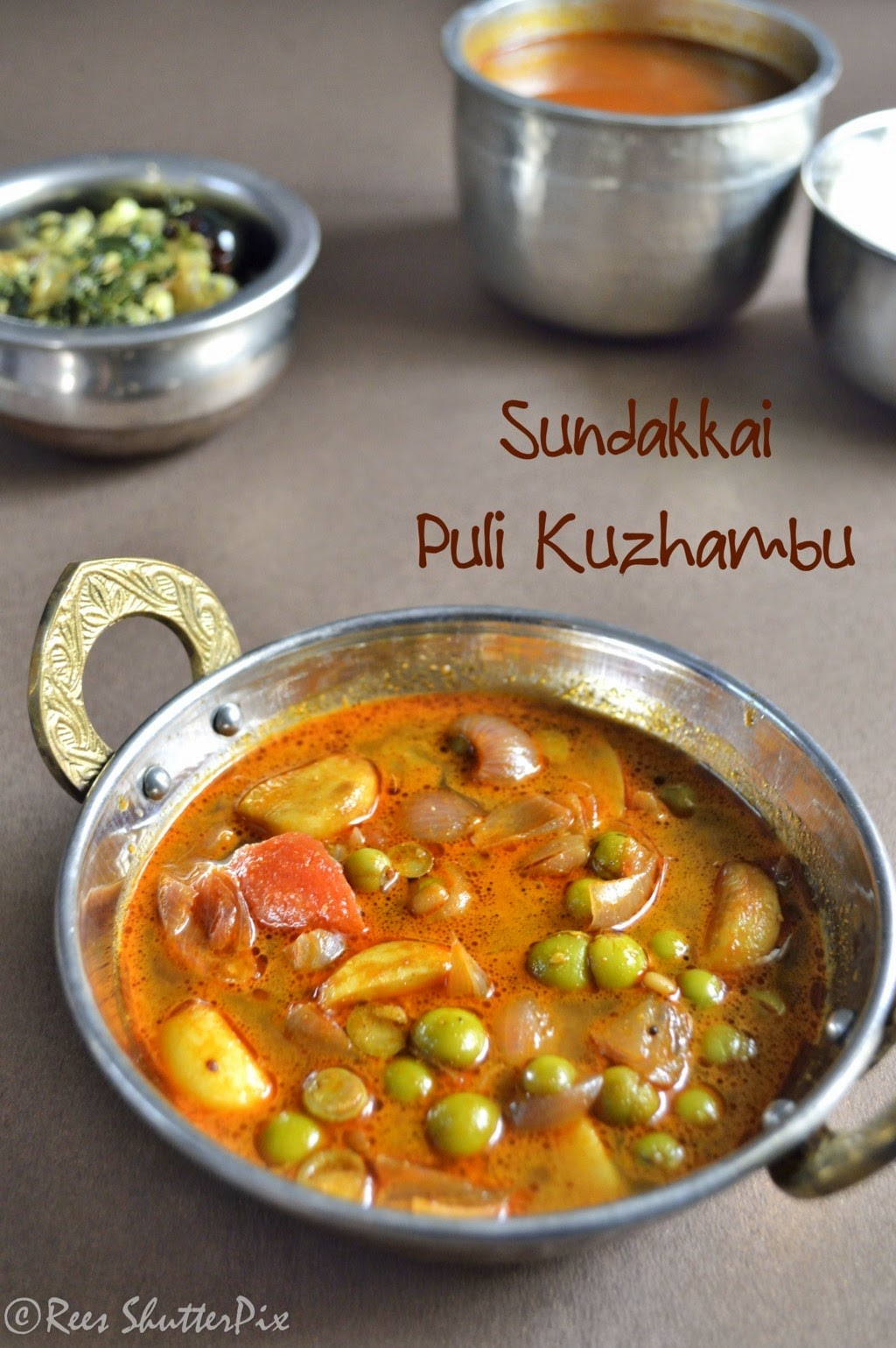 sundakkai puli kuzhambu recipe, sidedish for rice,  vathal kuzhambu recipe,vathal kulambu,vathal kuzhambu,sundakkai recipes,sundakkai vathal kuzhambu,south indian kuzhambu recipe,recipes,puli kuzhambu, turkey berry tamarind curry recipe, turkey berry recipes. chundakkai recipes