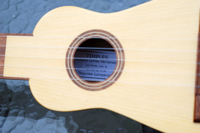 canarian timple sound hole