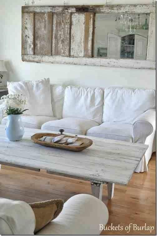 PObielony, biały stolik kawowy, shabby choc coffee table, stare drzwi jako ścienna dekoracja vintage