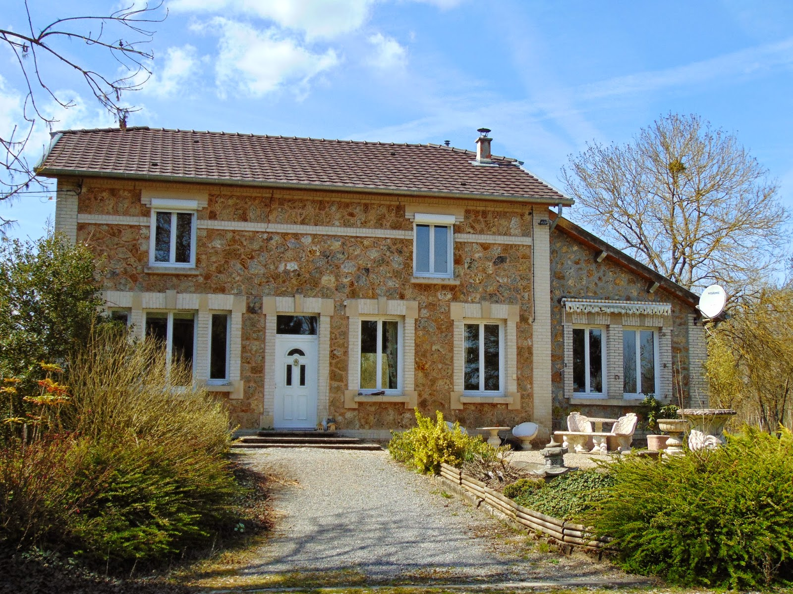 Live and dream a little dream and for a little bit of for French countryside house