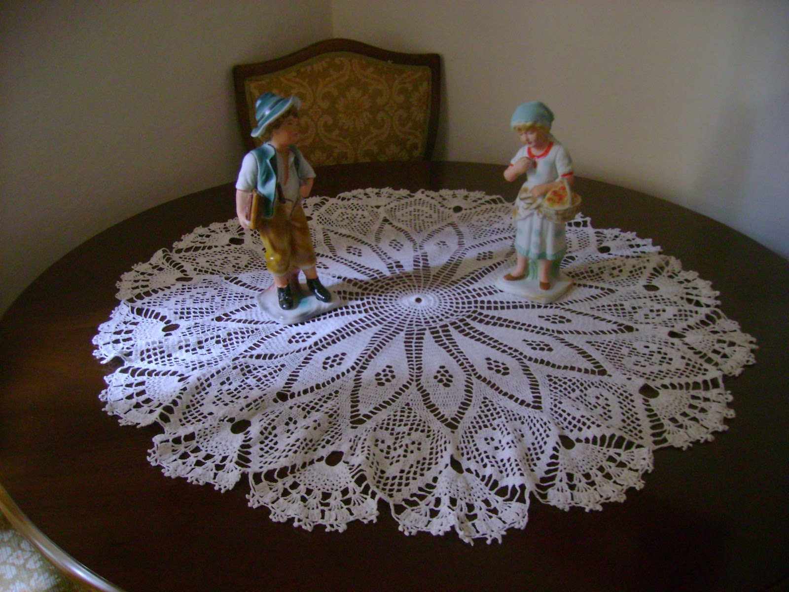 Free Crochet Oblong Tablecloth Patterns : Crochet On Sale: Crochet Tablecloths