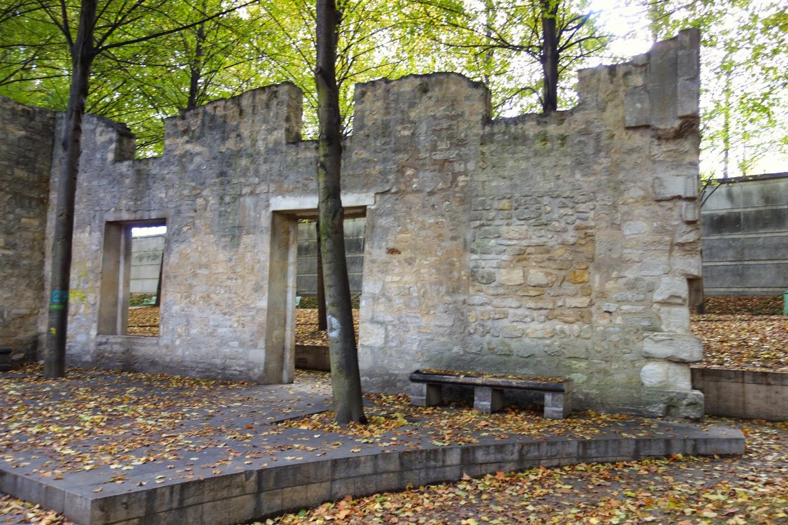 Paris ruines d 39 une folie datant du xviii me si cle dans le parc de bercy xii me paris la douce for Jardin 19eme siecle