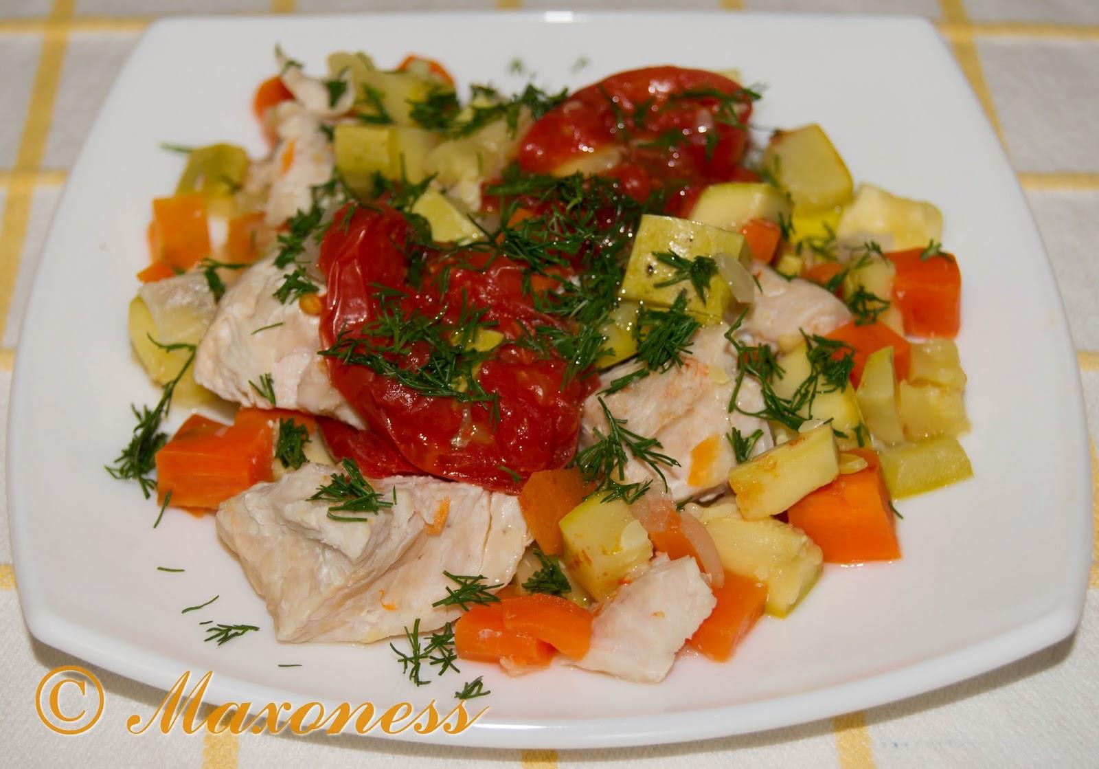 Мясо индейки на пару в овощной «шубе»