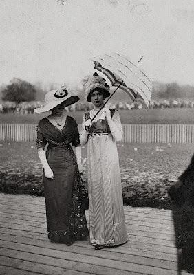 1900 street fashion