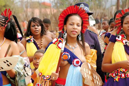 Phong tục kiểm tra trinh tiết độc đáo ở đảo Zulu 8