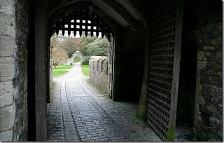 イギリスのインターナショナル・スクール アトランティック・カレッジ (英国) 古城の門