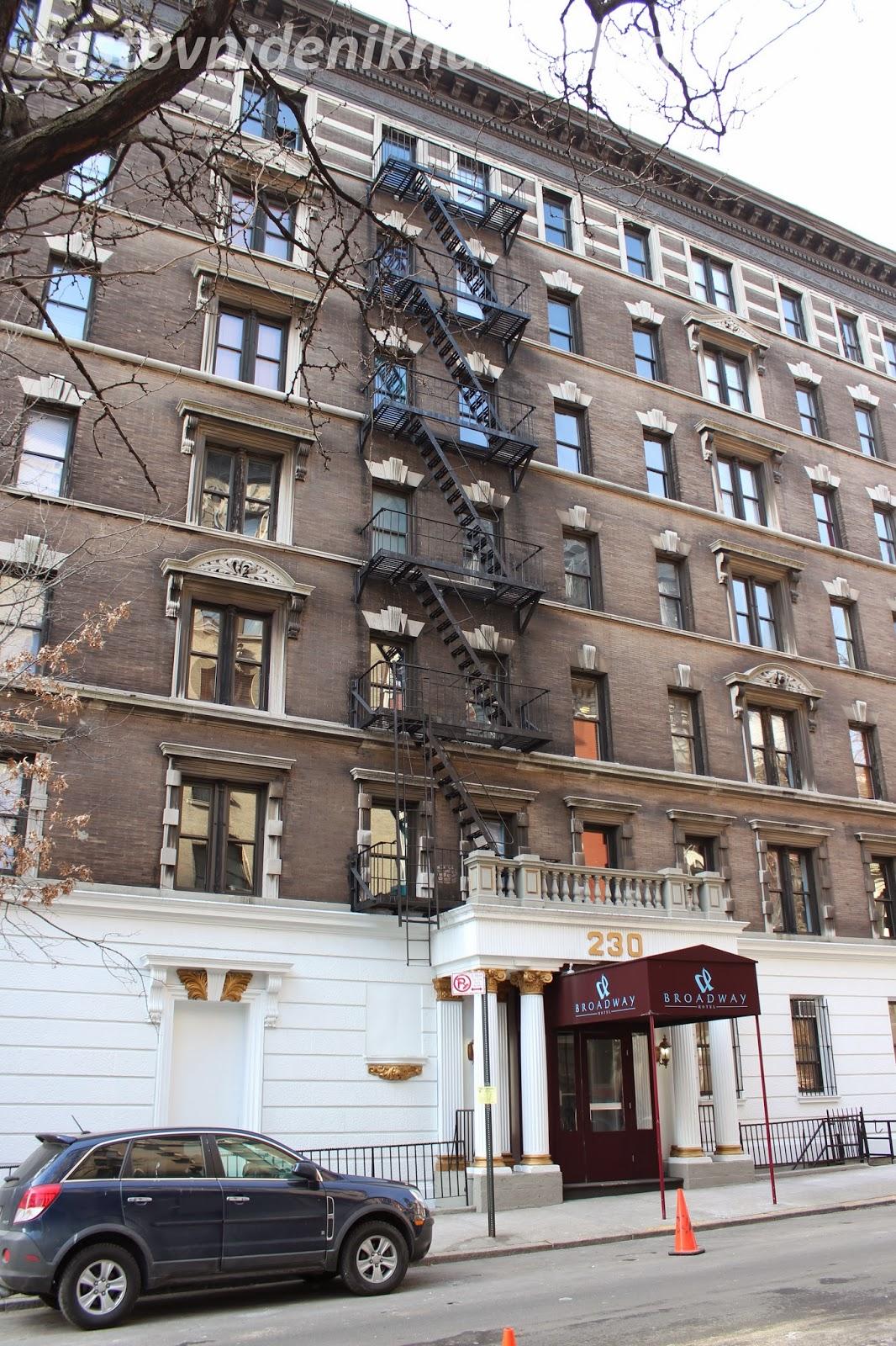 Broadway Hotel