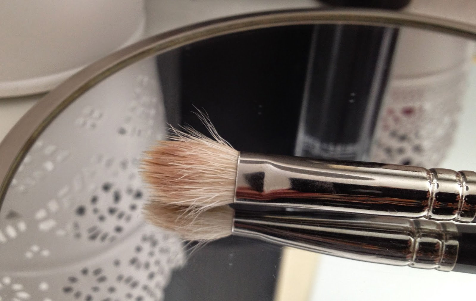 MAC 217 eyeshadow Blending Brush