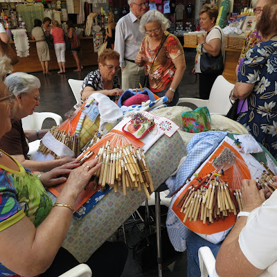 photo bobbin lace group, valencia