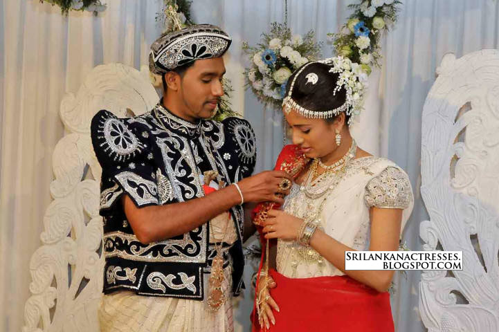 sri lankan actress wedding. Manjula Kumari|Wedding Photos Of Sri Lankan Actress