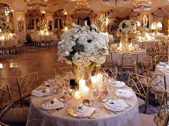 Wedding decorations 50th wedding anniversary decorating ideas for Wedding reception room decoration ideas