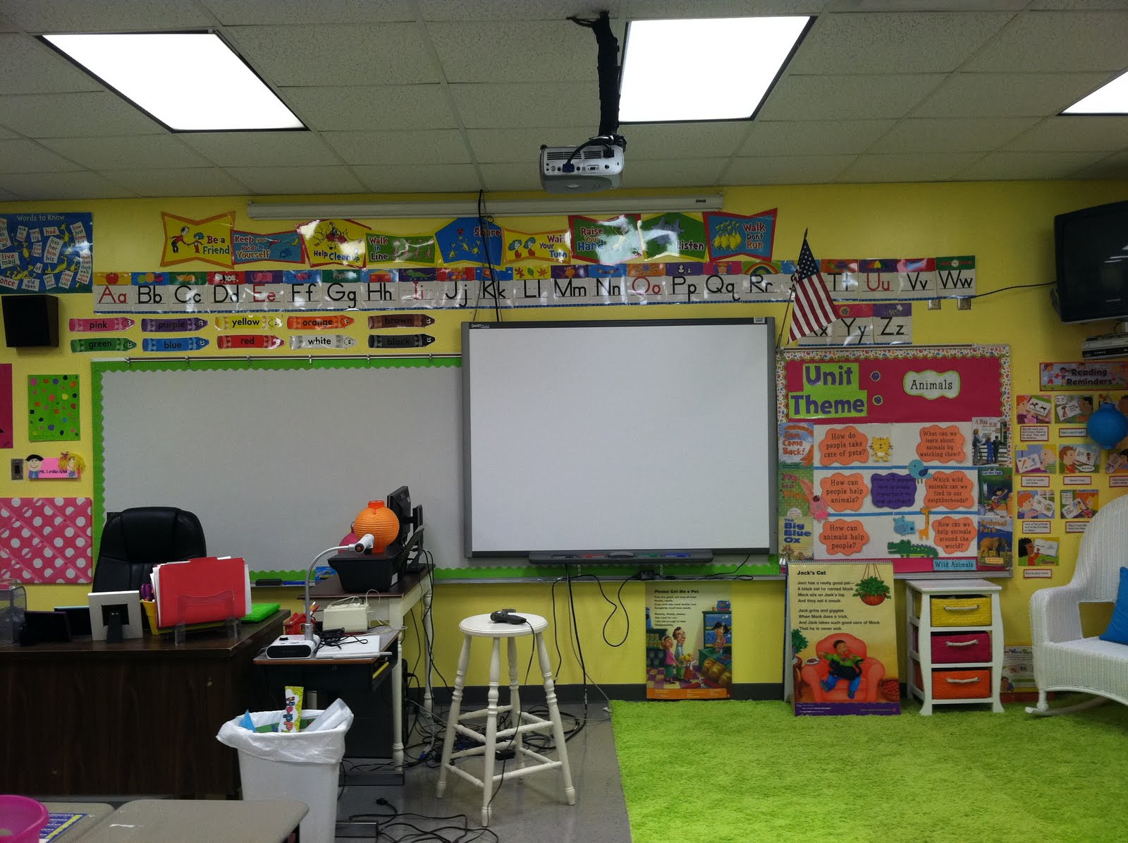 Life in first grade classroom decorating day five for Art classroom decoration ideas