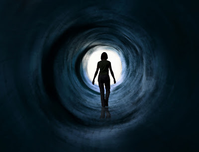 http://1.bp.blogspot.com/-di1x9MKsWKI/UJSX3LQdNyI/AAAAAAAAAR4/uAOCX6un9Zg/s400/near-death-experience.jpg