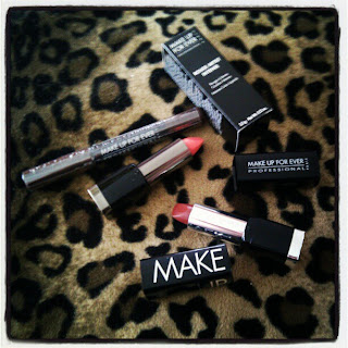 Make Up For Ever: Aqua Shadow et Rouge Naturel (intense et artiste)