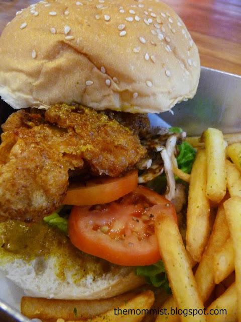 4 Fingers Chicken Burger