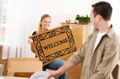 move-in-together -Signs She Wants To Move In With You