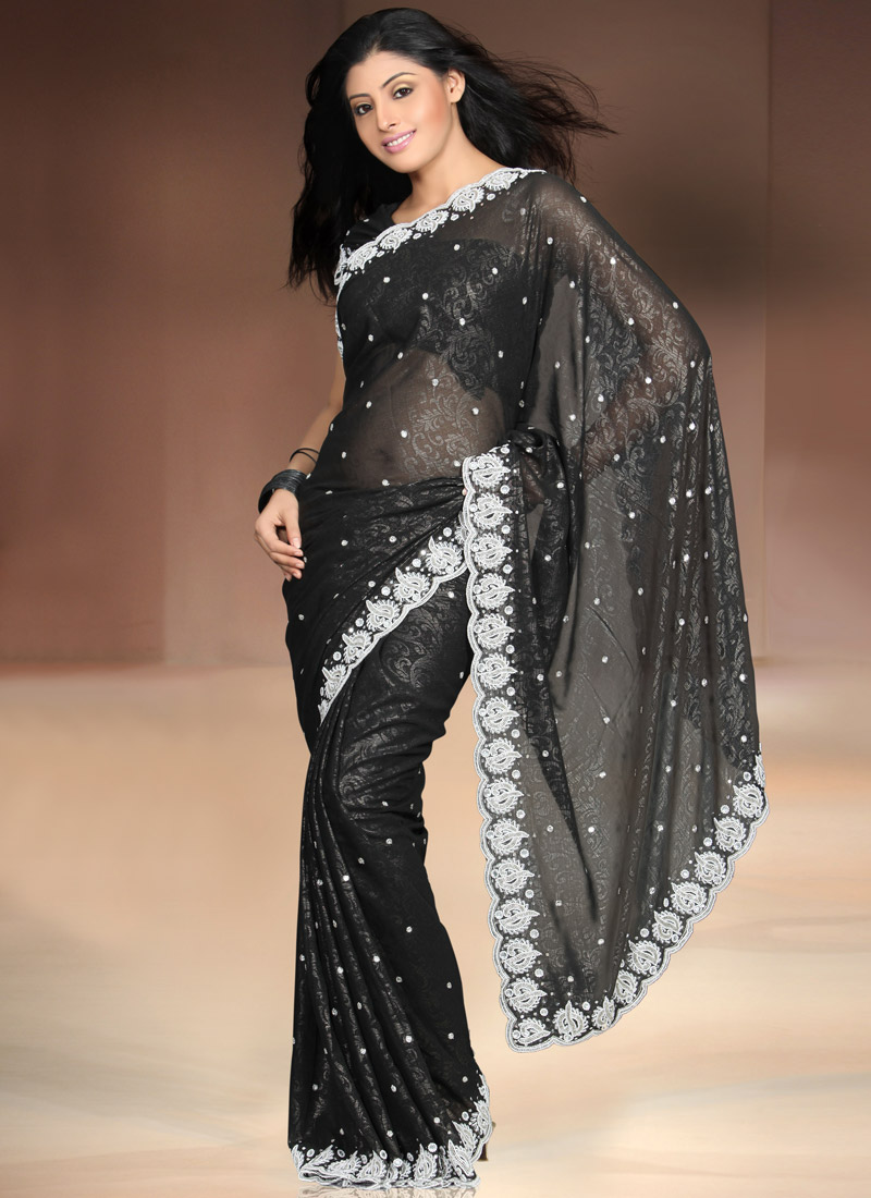New dress collection for diwali for women - Get Latest Diwali Sarees Online From The Largest Online Fashion Stores You Can Also Get Here Beautiful Diwali Saree Designs Low Priced Diwali Saree Prices