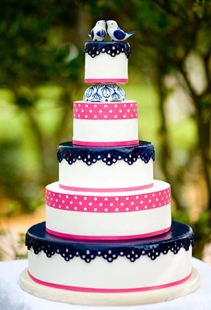 we challenge you to use this fabulous wedding cake as inspiration for