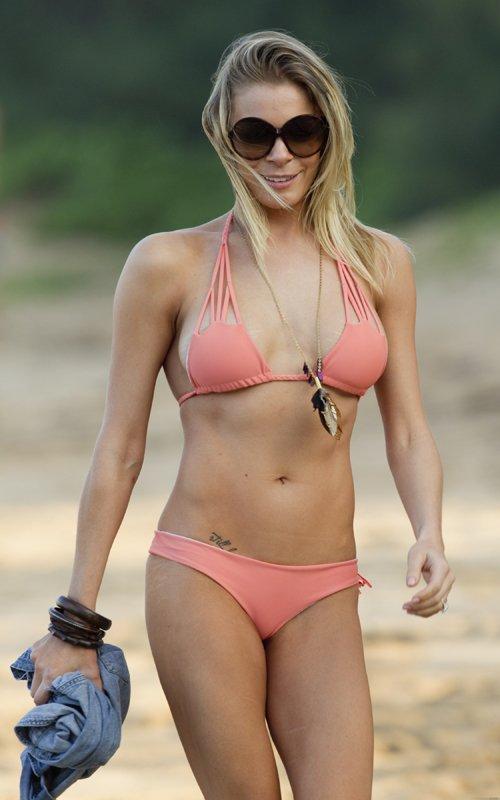 What Bikini picture of leann rimes