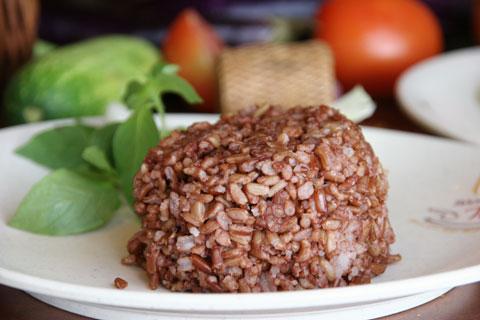 Menu diet sehat alami - nasi merah