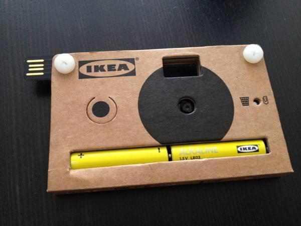 Câmera digital descartável de papelão reciclável