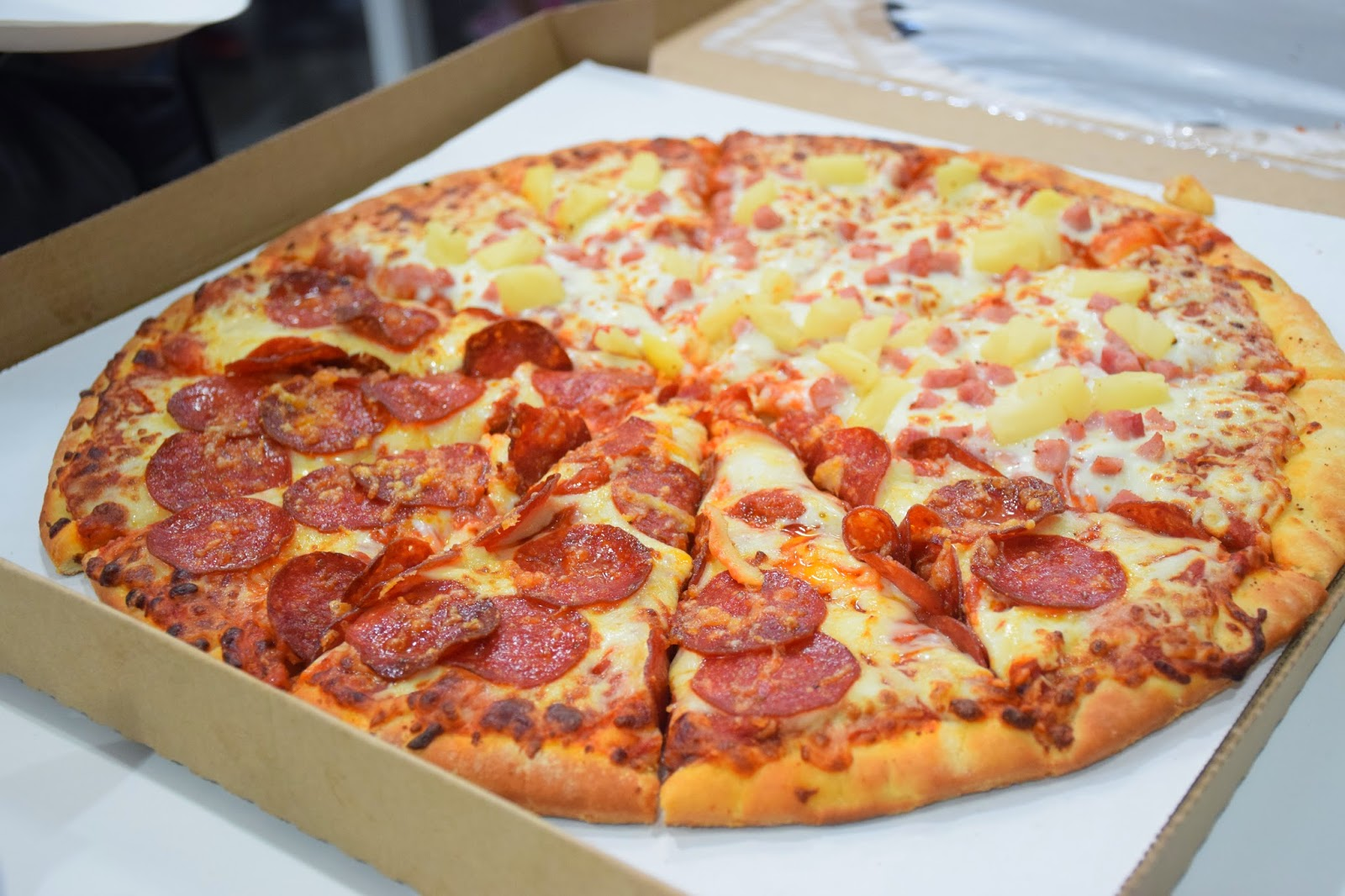 Whenever my family \u0026 I head to Costco we always order a pan pizza. For $10 you get 12 slices of pizza that\u0027s only about 83 cents a piece! & Vancity Noms: Costco - Poutine \u0026 Pizza