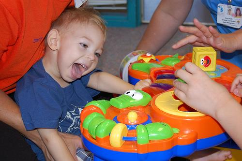 O que é paralisia cerebral, seus sintomas e causas
