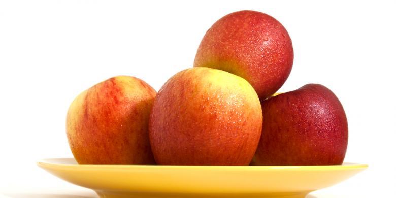 Jangan Makan Apel Bersama Bijinya